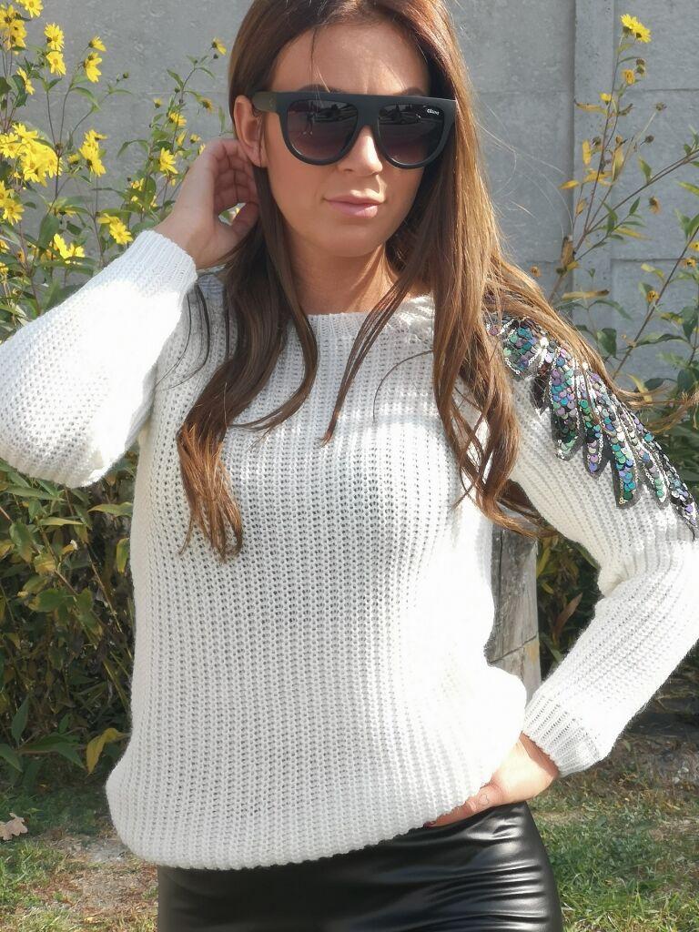 0f01023c8495 Pletený pulóver ALENA